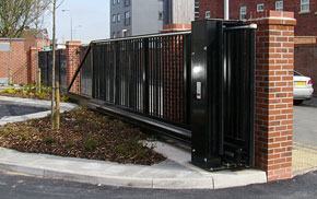 Commercial & Industrial Cantilevered Gates