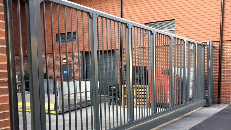 CG9000 Cantilever Gate with Bar Infill