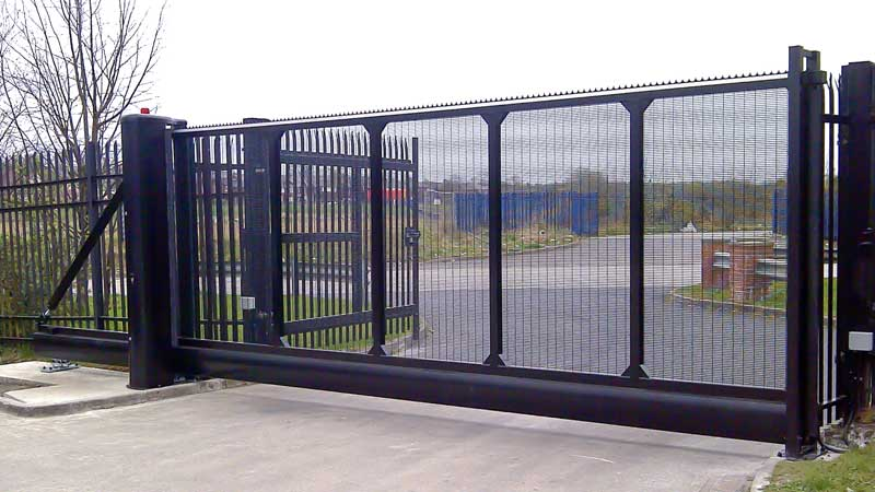 CG9000 Cantilevered Sliding Gate Mesh Infill
