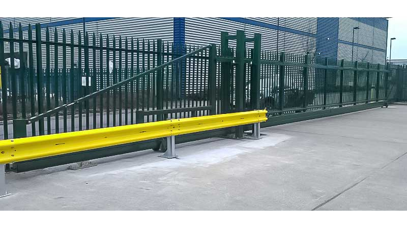 CG9000 Cantilevered Sliding Gate Palisade Infill