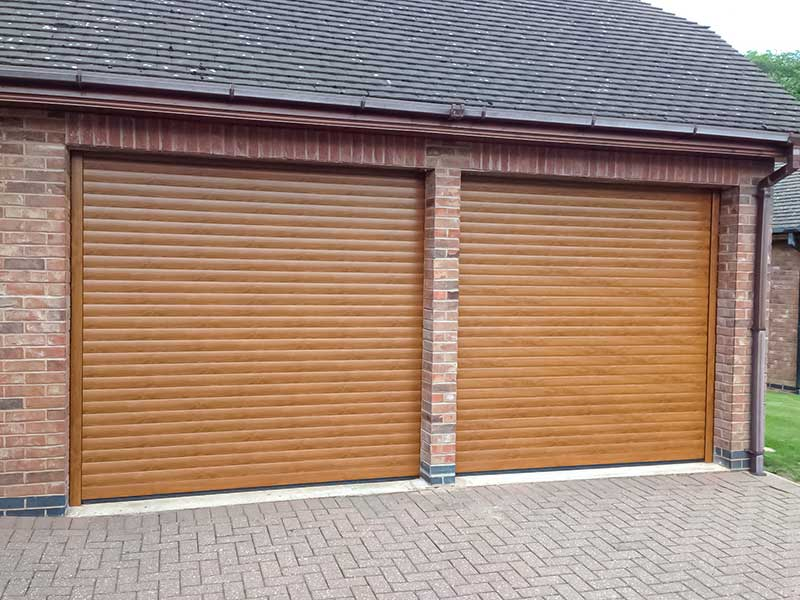Garage doors Wood Effect Aluminium