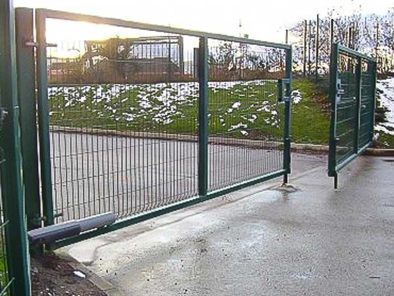 Green Mesh Automated Swing Gates