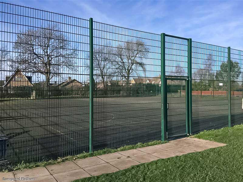 Mesh fencing and gates Euroguard Flatform