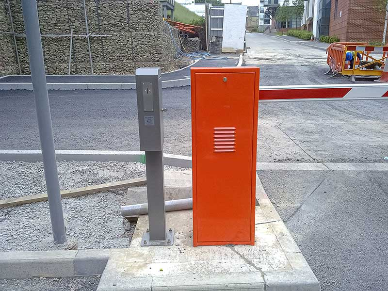 Token Acceptor Parking Barrier with Token acceptor
