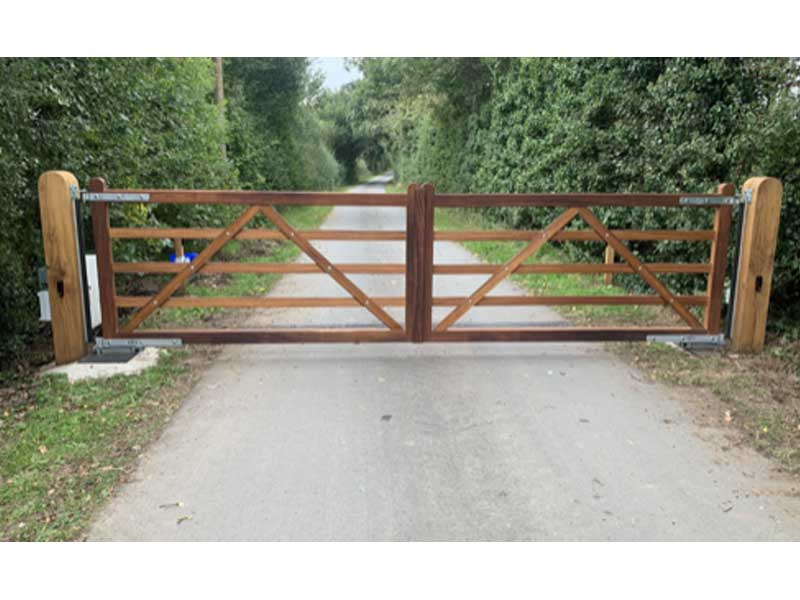 Wooden 5 Bar Farm Gates - Automated - Oak 5 Bar Gate