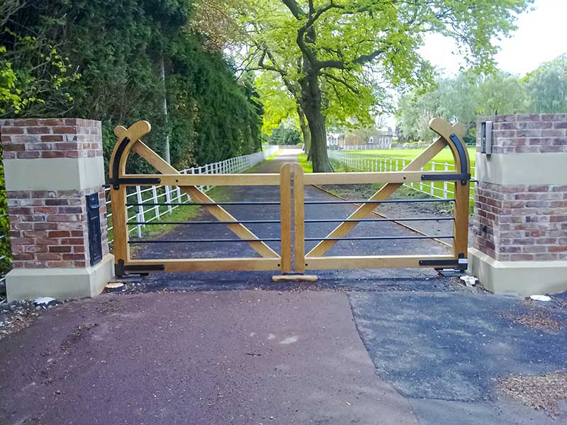 Wooden 5 Bar Farm Gates - Pale Farm Gate With Wrought Iron Bars