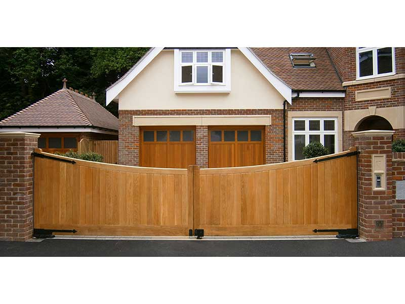 Wooden Gates - Curved top