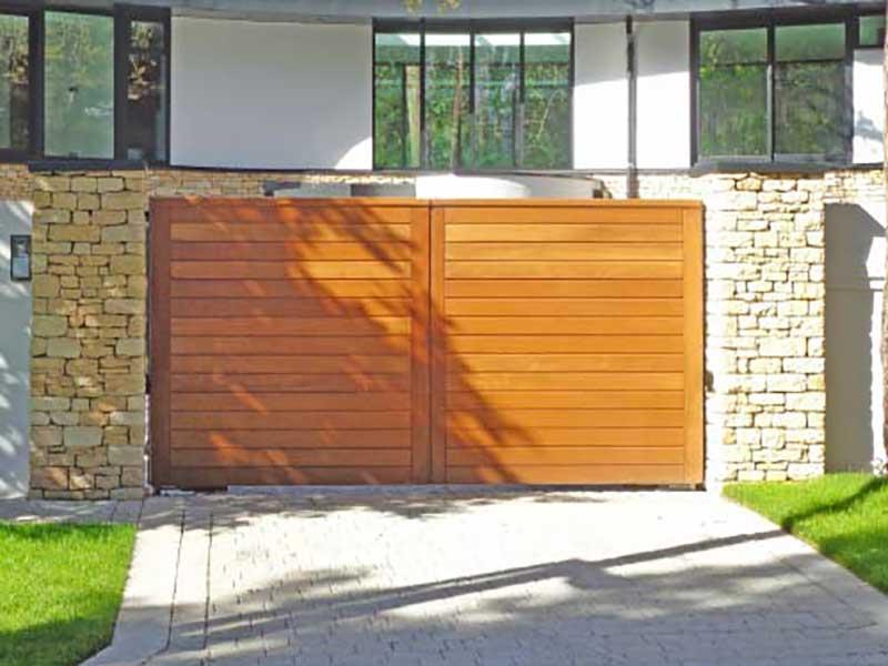 Wooden Gates - Modern Plain