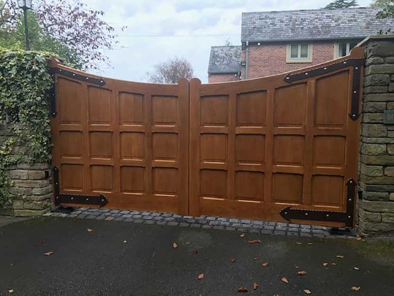 Wooden Gates - Oak Panelled Doubles