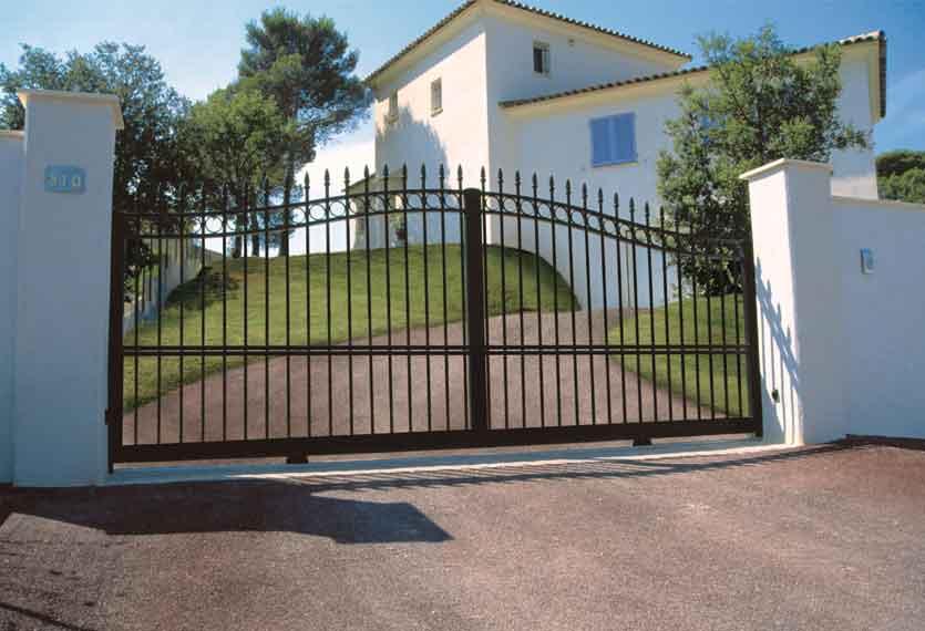 Gentiane Aluminium Swinging Gate