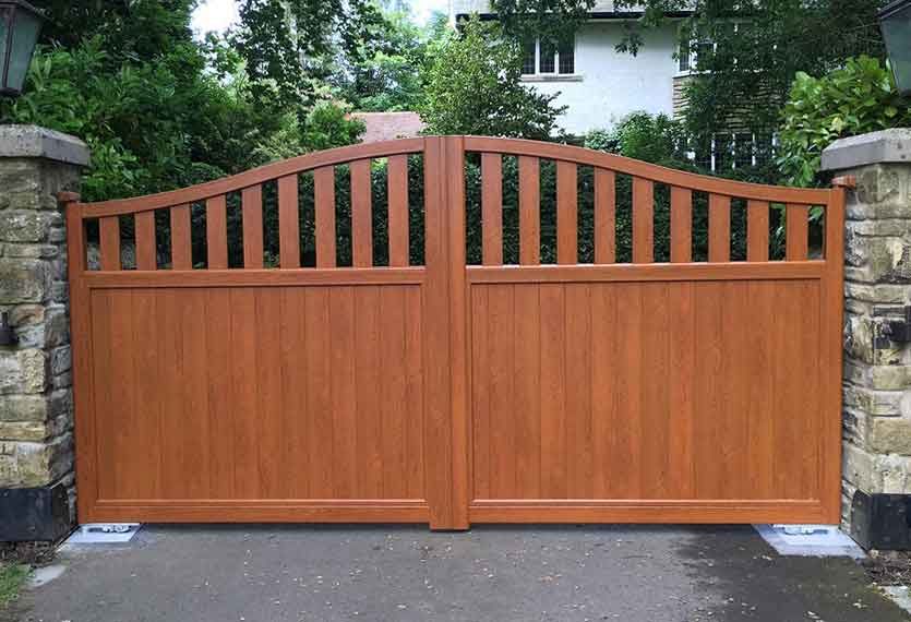 Horizal Contemporary Woodgrain Collection – Ikaria – Walnut Texture Aluminium Swing Gates