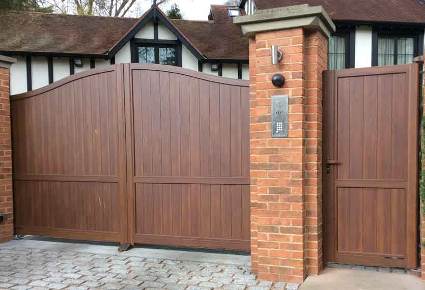 Horizal Contemporary Woodgrain Collection – Limnos – Walnut Texture Aluminium Swing Gates