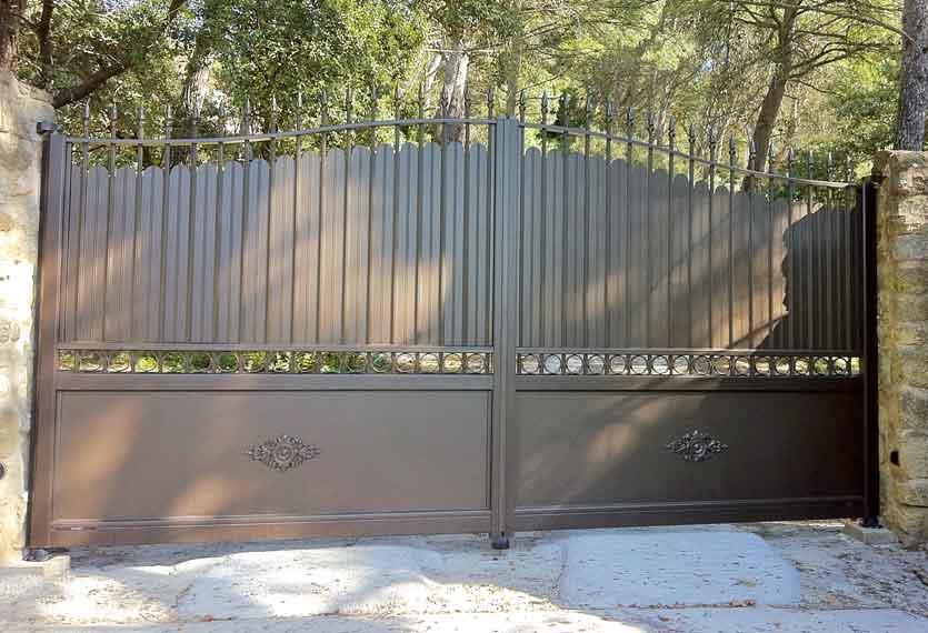 Horizal Traditional Collection - Phalaris Bronze Swing Gates