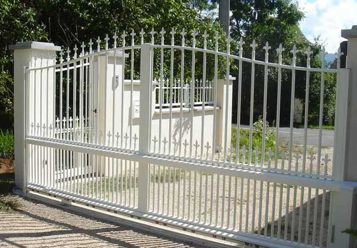 TRADITIONAL STYLE GATES