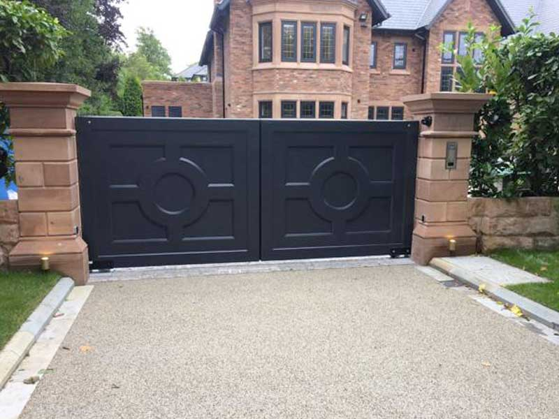 Accoya Swing Gates – Circular Design